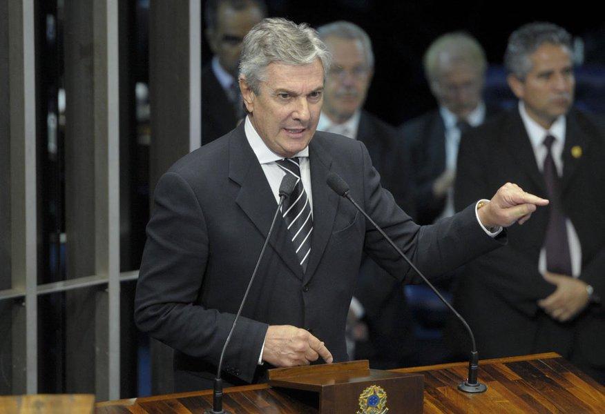 O senador Fernando Collor de Mello (PTC) foi aclamado presidente da Comissão de Relações Exteriores e Defesa Nacional do Senado (CRE) para o biênio 2017-18; ele já presidiu a mesma comissão em 2012; chapa eleita tem o senador Jorge Viana (PT-AC) como vice-presidente
