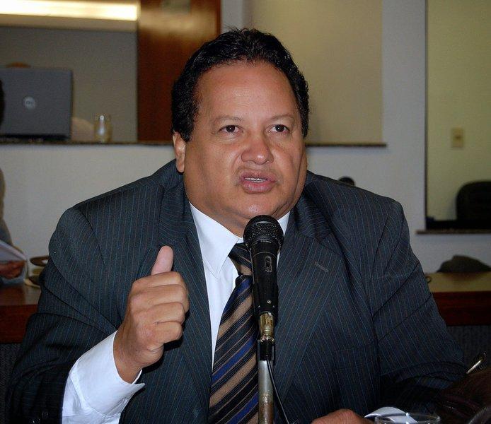 Em sessão ocorrida nesta terça-feira, 14, os ministros do Tribunal Superior Eleitoral (TSE) decidiram, por unanimidade, indeferir o registro de candidatura de Paulo Roberto Ribeiro (PSD) devido à rejeição de contas pelo Tribunal de Contas da União (TCU) quando era gestor municipal de Taguatinga; com a decisão, o Tribunal Regional Eleitoral do Tocantins (TRE-TO) deverá providenciar a realização de novas eleições em Taguatinga e editar as resoluções do novo pleito