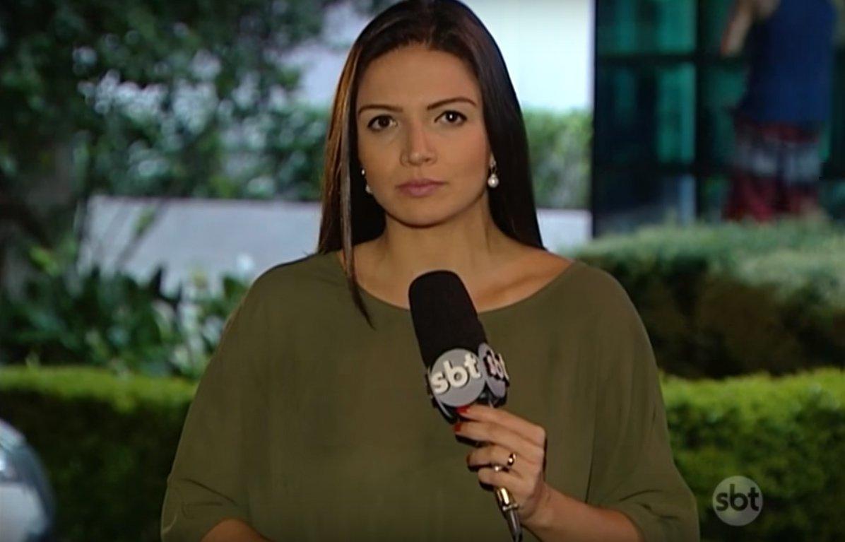 Após filmar uma abordagem policial violenta na zona norte de São Paulo, a repórter Thais Nunes, do SBT, foi detida pela PM e encaminhada para o 20o Distrito Policial; segundo relato postado por amigos nas redes sociais, a repórter foi presa por se recusar a entregar o aparelho com a filmagem; questionado, o 20o DP se recusou a informar o motivo da detenção da jornalista do SBT