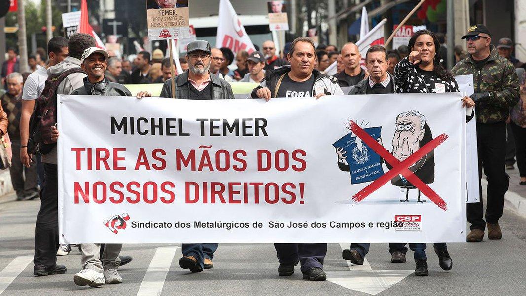 """As manifestações, que contarão com participação massiva de profissionais da educação, também reivindicam mais direitos e levantarão a bandeira do """"Fora, Temer"""". Confira a agenda completa"""