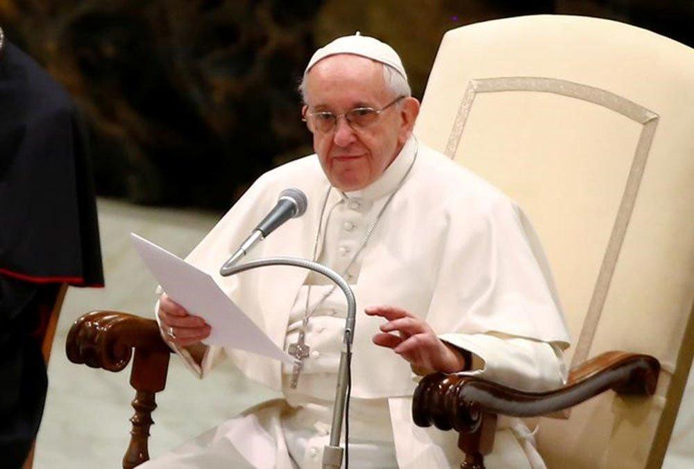 Papa Francisco em audiência no Vaticano. 8/2/2017. REUTERS/Tony Gentile
