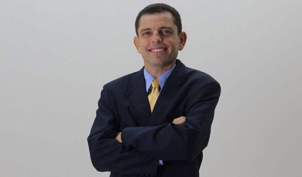 """Diretório do PSDB de Paraíso realizará neste sábado, 18, a partir da 19 horas, na Câmara de Vereadores da cidade, uma convenção partidária. No encontro, além de agregar novos filiados à legenda, também será eleita a Comissão Executiva Municipal e seus suplentes e ainda o membro efetivo e suplente do Conselho Fiscal; presidente da Comissão Municipal do partido, o vereador Whisllan Maciel (PSDB), enfatiza que é importante a criação do diretório, porque ele dá autonomia e poder de decisão aos membros. """"Nós esperamos que o diretório do PSDB, em Paraíso, seja relevante quanto aos anseios da nossa sociedade. Esperamos que a legenda tenha representatividade e credibilidade perante as pessoas"""", mencionou Whisllan"""