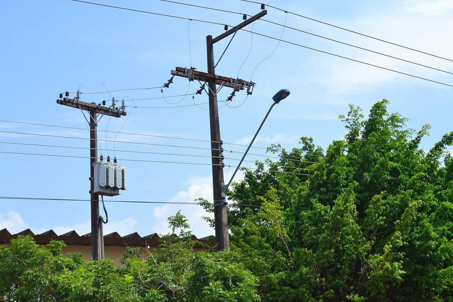 Dados dos Institutos de Medicina Legal de Maceió e Arapiraca apontam que, nos últimos cinco anos, Alagoas registrou 198 casos de vítimas fatais de descarga elétrica; em 2013 e 2014, foram 45 mortes; em 2015 esse número diminuiu para 32, mas, em 2016 voltou a subir, registrando 35 casos; e este ano 41 pessoas já perderam a vida em virtude de acidentes elétricos