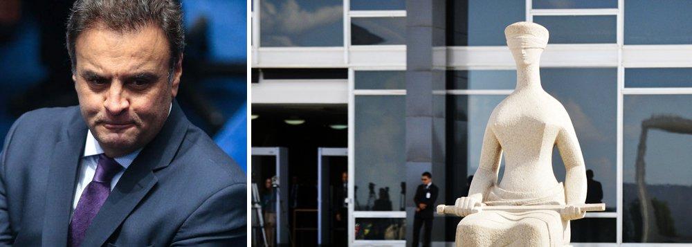 """""""Supremo decide nesta quarta-feira 11 sobre afastamento de Aécio Neves onze meses depois de reempossar Renan Calheiros, inicialmente afastado do cargo quando se tornou réu por crime de peculato"""", escreve Paulo Moreira Leite, articulista do 247. Defendendo que os graves indícios contra Aécio Neves """"devem ser investigados a fundo"""", PML lembra que a Constituição """"é de uma clareza ímpar"""" e diz que """"a imunidade dos parlamentares subsiste mesmo sob o estado de sítio"""""""