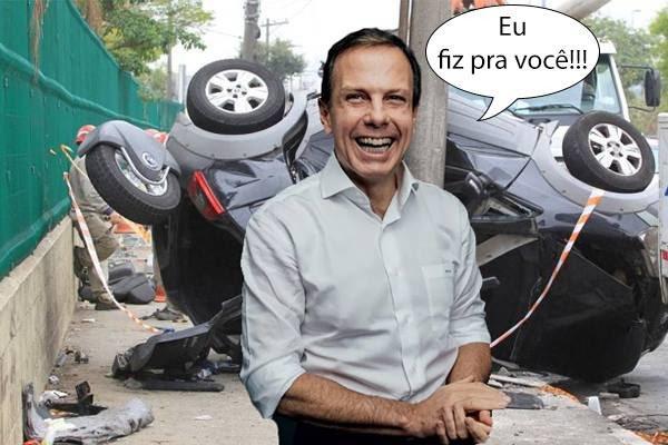 """Agora a aprovação a Doria dispara de vez em São Paulo. Na terra dos """"bandeirantes"""", se governar direito a aprovação é baixa. Tem que fazer merda pra ser bem aprovado"""