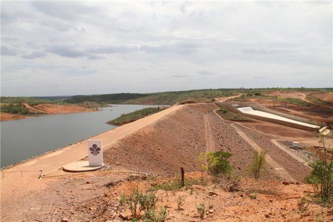 A Defesa Civil do Piauí tem uma reuni]ao com o governador do Piauí, Wellington Dias, outras autoridades do executivo, para discutir a situação da barragem de Piaus, no Sudeste do Piauí, que segue operando com cerca de 5% da capacidade e, em consequência, deixa agricultores e moradores das cidades da região sem água