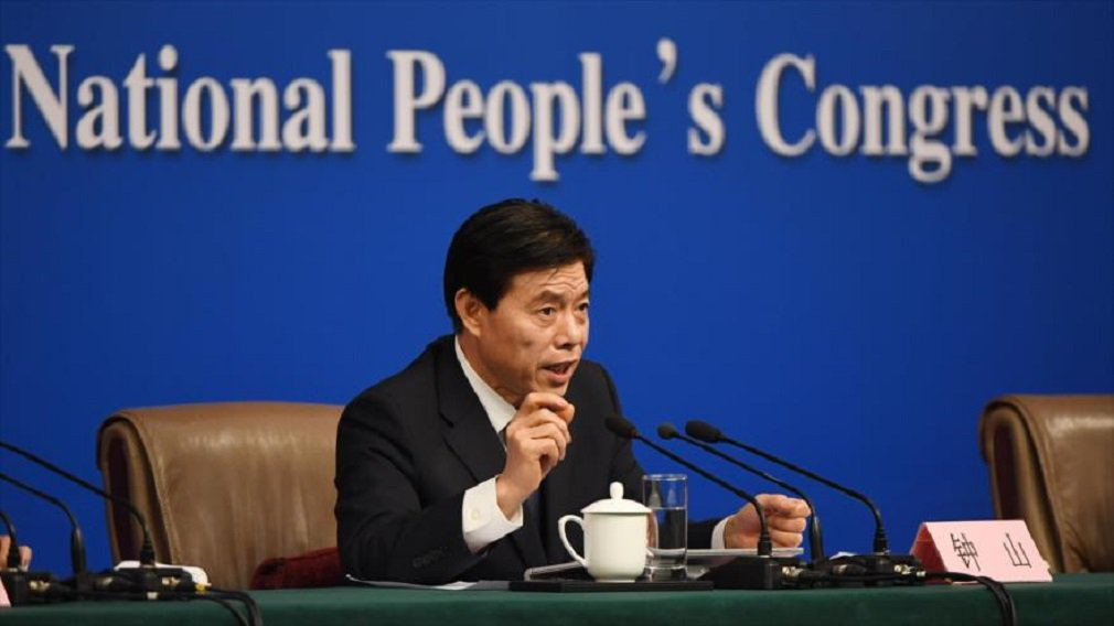 """Durante a sessão parlamentar anual em Pequim, o ministro Zhobg Shan disse que """"muitos amigos norte-americanos e ocidentais pensam que a China não pode viver sem os Estados Unidos, mas isso é apenas meia verdade""""; """"Ao mesmo tempo, os EUA não podem viver sem a China"""", disse o ministro, acrescentando que nos últimos dez anos o crescimento das exportações dos EUA para a China superou o crescimento das exportações chinesas para os Estados Unidos"""