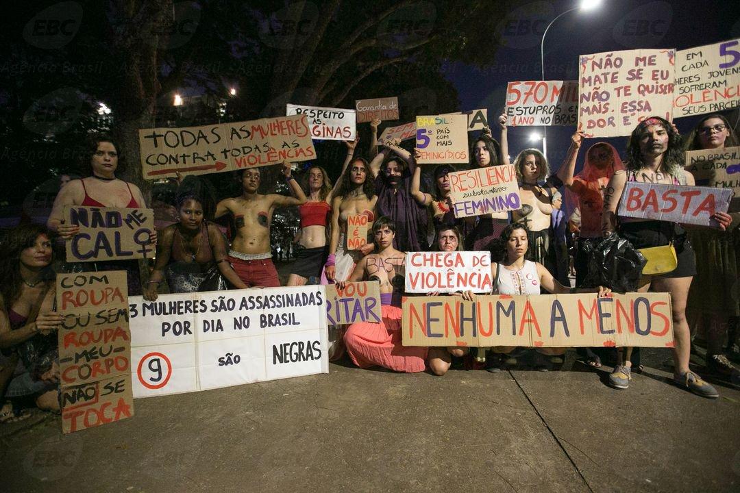 Protestos marcaram o 8 de Março, Dia Internacional da Mulher, em várias cidades do Brasil nesta quarta-feira, como São Paulo, Brasília, Salvador, Rio de Janeiro, Recife, entre outras; elas foram às ruas contra a violência, o preconceito, em defesa da liberdade, contra a perda de direitos na reforma da Previdência e também pelo 'Fora, Temer'