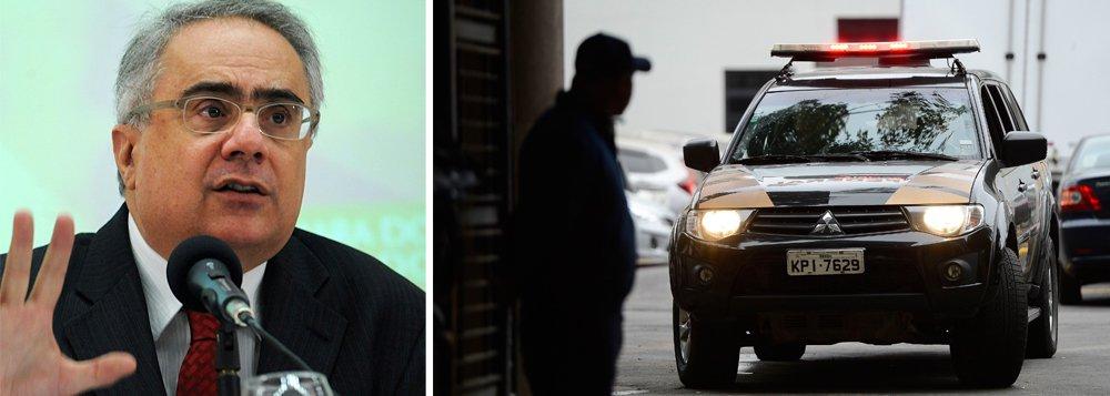 """Para o jornalista Luis Nassif, do portal GGN, """"a declaração do professor Rene Ariel Dotti, advogado da Petrobras na Lava Jato, sobre o PT, em artigo no blog, traz à luz o contexto dos custos da advocacia da Petrobras""""; segundo ele, a área externa é dominada pela empresa Hogan Lovells, de Washington, que já levou US$ 300 milhões de dólares em honorários"""" e """"existem suspeitas de que a Hogan possa ter sido apadrinhada por Ellen Gracie e Durval Soledade, membros da """"comissão de investigação"""" criada para supervisionar os escritórios estrangeiros""""; """"Hoje em dia, o mercado de compliance se tornou uma mina de ouro"""", destaca Nassif"""