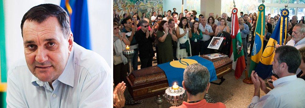 """""""O estado policialesco que se instalou no Brasil como consequência de uma ditadura da toga, há algum tempo informalmente em vigor, fez a sua segunda vítima: o reitor Luiz Carlos Cancellier, da Universidade Federal de Santa Catarina. A primeira foi a dona Marisa Letícia, esposa do ex-presidente Lula, que sucumbiu às injustiças da Lava-Jato"""", escreve o colunista Ribamar Fonseca; ele aponta que,""""sob o pretexto de combater a corrupção, o Judiciário, o Ministério Público e a Polícia Federal, com a ampla cobertura da mídia, passaram a agir como justiceiros, cometendo abusos e muitas das vezes atropelando as leis, prendendo e condenando sem provas, mais preocupados com os holofotes do que em descobrir e punir os verdadeiros criminosos"""""""