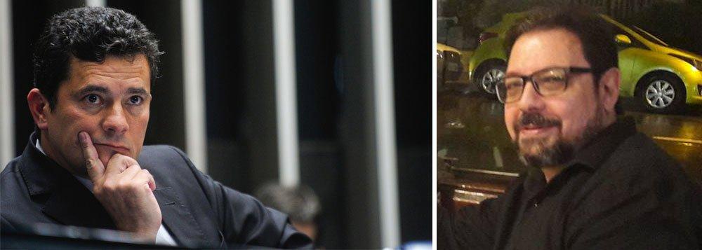"""Criticado por diversas entidades e profissionais do jornalismo da política pela agressão às garantias constitucionais na condução coercitiva do blogueiro Eduardo Guimarães, o juiz federal Sérgio Moro recuou e nesta quinta-feira, 23, determinou que seja excluído do processo contra Guimarães 'qualquer elemento probatório relativo à identificação da fonte da informação'; """"Considerando o valor da imprensa livre em uma democracia e não sendo a intenção deste julgador ou das demais autoridades envolvidas na investigação colocar em risco essa liberdade e o sigilo de fonte, é o caso de rever o posicionamento anterior e melhor delimitar o objeto do processo"""", destacou Moro"""
