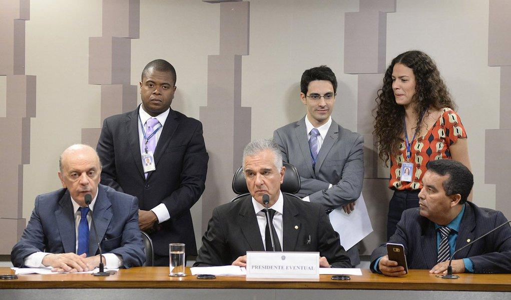 Mais um ataque contra as riquezas nacionais: o senador José Serra (PSDB-SP), eleito presidente da Comissão do Senado que irá analisar a Medida Provisória 795/2017, quer a aprovação da medida antes da próxima rodada de leilões do pré-sal, prevista para 27 de outubro; a medida prevê incentivos fiscais à exploração de petróleo