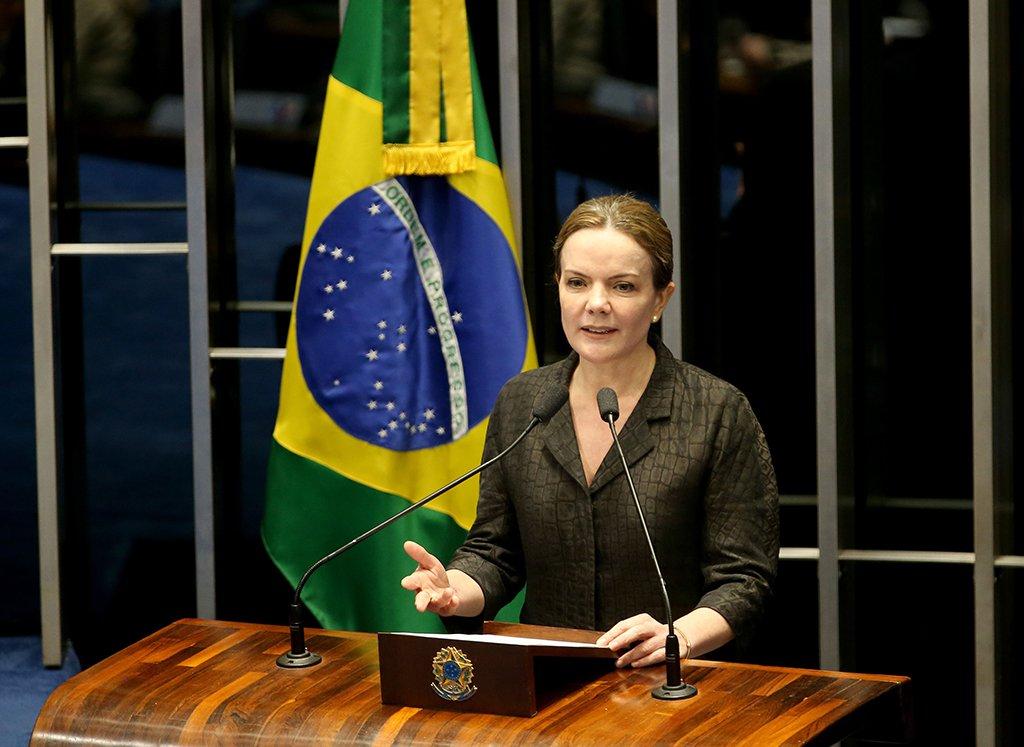 Brasília - A senadora Gleisi Hoffmann discursa no Plenário do Senado durante sessão não deliberativa (Wilson Dias/Agência Brasil)