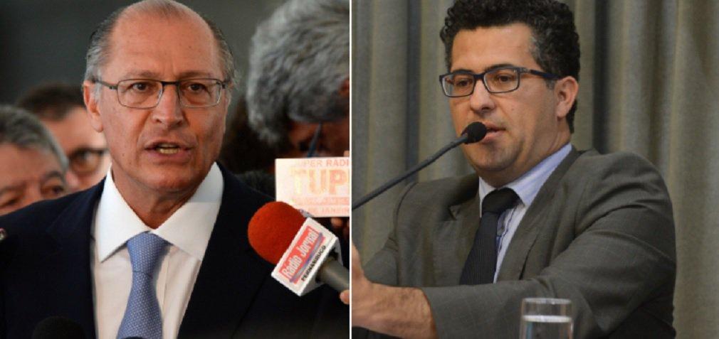 """""""Alckmin quer pagar, para quem comprar a Linha 5 - Lilás do metrô, R$ 1,00 a mais por passageiro caso haja atraso nas obras de interligação com as linhas Azul e Verde. Ora, atrasar as obras tem sido regra em seu governo, portanto essa proposta equivale a dar dinheiro do povo aos empresários. Com tantos milagres e bondades assim aos empresários, já já Alckmin será canonizado"""", critica o líder do PT na Assembleia,Alencar Santana Braga"""