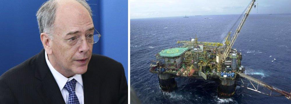 Os dois leilões de áreas para exploração de petróleo e gás no pré-sal que o Brasil realizará em 27 de outubro atraíram algumas das maiores petroleiras do mundo; de acordo com a ANP, oito empresas foram habilitadas para a segunda rodada e 11 para a terceira; entre as habilitadas estão a norte-americana ExxonMobil, a norueguesa Statoil, a espanhola Repsol e a anglo-holandesa Royal Dutch Shell, entre outras; estatal comandada por Pedro Parenteexercerá o direito de preferência em apenas três dos oito prospectos; entrega das riquezas estratégicas do Brasil para o capital internacional por parte do governo Michel Temer segue a todo vapor