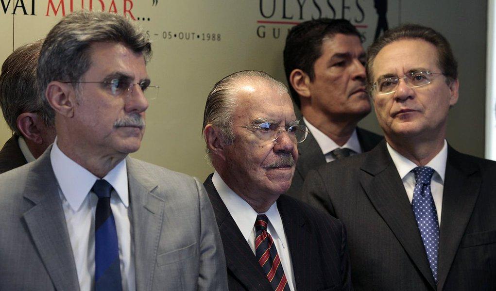 O procurador-geral da República, Rodrigo Janot, pediu ao Supremo Tribunal Federal (STF) o arquivamento do inquérito aberto na Corte para investigar a suposta tentativa dos senadores Romero Jucá (PMDB-RR) e Renan Calheiros (PMDB-AL) e do ex-senador José Sarney de atrapalhar as investigações da Operação Lava Jato; Janotentendeu que as conversas gravadas entre os três políticos com o ex-presidente da Transpetro, Sérgio Machado, não configuraram crime