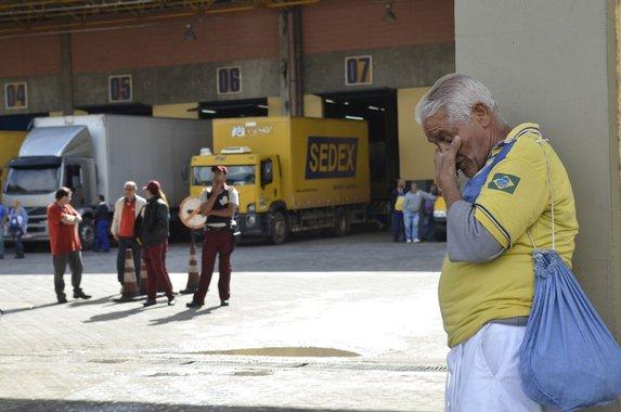 O Brasil e a população querem um Correios forte, indutor do desenvolvimento nacional. Esperamos que esse governo tenha bom senso pelo menos uma vez e preserve os empregos e os serviços essenciais realizados pelos Correios