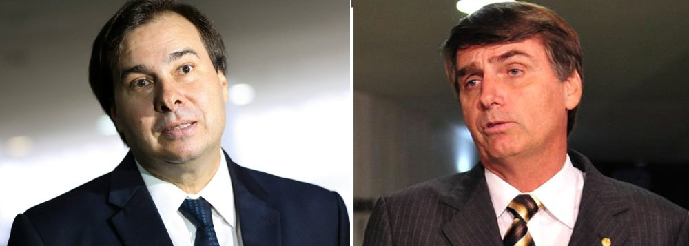 """Presidente da Câmara, Rodrigo Maia (DEM-RJ), disse que apesar dos """"méritos"""" do pré-candidato à Presidência da República Jair Bolsonaro (PSC-RJ) os partidos do """"centro"""" sairão vencedores das eleições do próximo ano; """"Bolsonaro, não tiro nenhum mérito dele, é muito competente, enxergou isso na frente dos outros"""", afirmou; """"Mas é mais provável que Lula chegue ao segundo turno com o candidato do centro que Bolsonaro"""", completou; """"As pessoas falam muito centro, centro, centro. Centro tem que ser esse espaço de diálogo e vai ser vencedor nas eleições no próximo ano"""", destacou"""