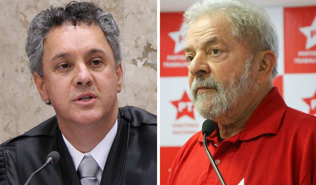 Esses juízes do TRF-4 têm de ser obrigatoriamente isentos, imparciais, justos e responsáveis com o Lula, com a verdade, com a sociedade brasileira e com a justiça