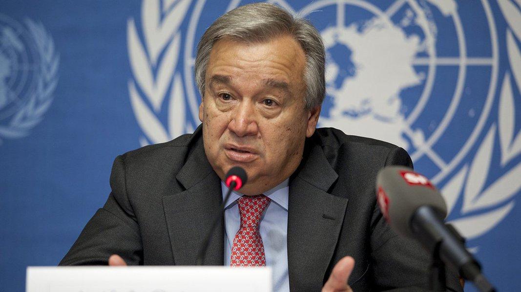 """O secretário-geral da ONU, António Guterres, disse nesta sexta-feira 2 que o Acordo de Paris sobre a mudança climática """"está bem encaminhado"""" e que a aposta na economia verde é a aposta no futuro; declaração foi divulgada numa rede social, um dia após o presidente dos Estados Unidos, Donald Trump, anunciar a retirada do seu país do tratado;Guterres afirmou estar seguro de que países e o setor privado continuarão tomando ações para conter as mudanças climáticas em seus negócios"""