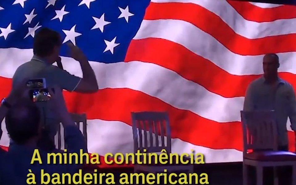 """""""Quem sabe não vai ensinar as criancinhastrocarem o verde-amarelo logo pelo branco-azul-vermelho. Afinal, também tem estrelinha, não é?"""", questiona Fernando Brito, editor do Tijolaço; """"E estes sujeitos vêm falar em patriotismo. Se o Brasil fosse mais perto da Coreia do Norte já oferece um enclave para servir de base militar nuclear para o Trump"""""""