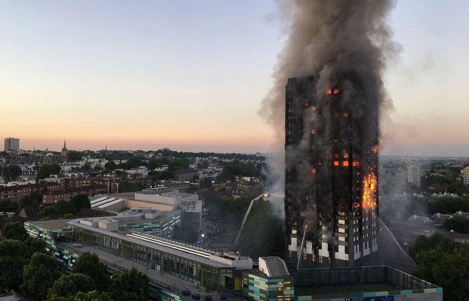 A informação é da Polícia Metropolitana de Londres, em referência ao incêndio ocorrido em um edifício residencial na zona oeste da capital britânica; segundo a polícia, dezenas de pessoas continuam desaparecidas; comandante Stuart Cundy indicou que o número de mortos pode aumentar