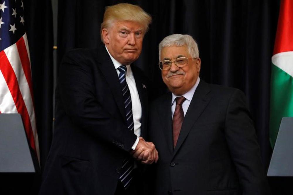 Presidente dos Estados Unidos, Donald Trump, e presidente palestino, Mahmoud Abbas, em encontro no Palácio Presidencial de Belém, na Cisjordânia. 23/05/2017 REUTERS/Jonathan Ernst