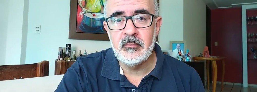 """O médico infectologista de Natal (RN) Alexandre Motta comenta a delação do ex-ministro Antonio Palocci em novo vídeo em seu canal no YouTube; para o médico, as prolongadas prisões na Lava Jato torturam os presos, com o objetivo de obter as confissões desejadas pelos promotores e juízes; de acordo com Motta, """"o Judiciário brasileiro tem um lado: seu propósito é destruir Lula e o projeto político representado pelo PT"""""""