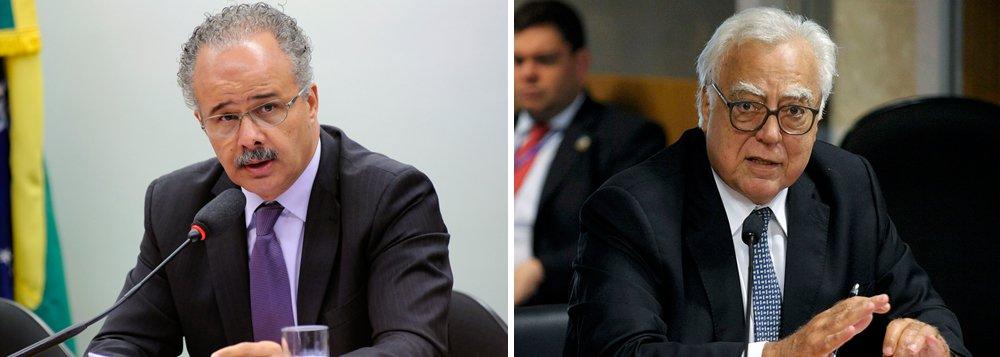 """A delação da JBS, que atingiu em cheio Michel Temer e Aécio Neves, ferindo também grandes partidos como o PMDB e o PSDB, alterou os interesses dos partidos na reforma política; antes do tsunami de Joesley Batista, tudo se encaminhava, no Congresso, para a aprovação de uma reforma política que tinha como pilares o voto em lista fechada e o financiamento público de campanhas; agora a tendência é aprovar o """"distritão"""", sistema pelo qual são eleitos os mais votados em cada estado; proposta de emenda constitucional do deputado Miro Teixeira (Rede-RJ), neste sentido, obteve ontem o apoio de mais de 350 deputados; em entrevista à jornalista Tereza Cruvinel, o relator da reforma política, deputado Vicente Cândido (PT-SP), fala desta mudança do vento e das perspectivas de aprovação da reforma"""