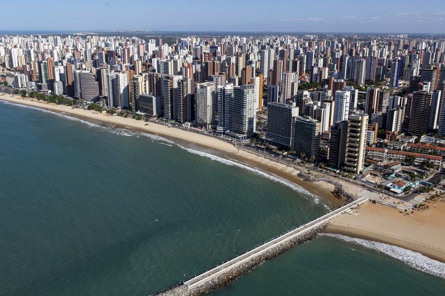 De acordo com pesquisa da Secretaria do Turismo do Ceará (Setur), a taxa de ocupação hoteleira de Fortaleza está em 90,4% neste feriado. No Ceará, o índice é de 80,6%, liderado por Jericoacoara (94%), seguido por Canoa Quebrada (91,2%), Guaramiranga (84%), Cumbuco (78,9%), Porto das Dunas (70%) e Praia das Fontes/Morro Branco (65,9%)