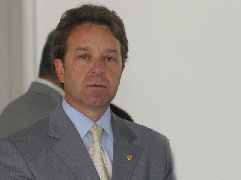 O deputado federal Luiz Fernando Ramos Faria (PP-MG) teria recebido R$ 50 mil em 2010; em troca deveria propor emendas e apresentar projetos que fossem de interesse da construtora, conforme delação da empreiteira