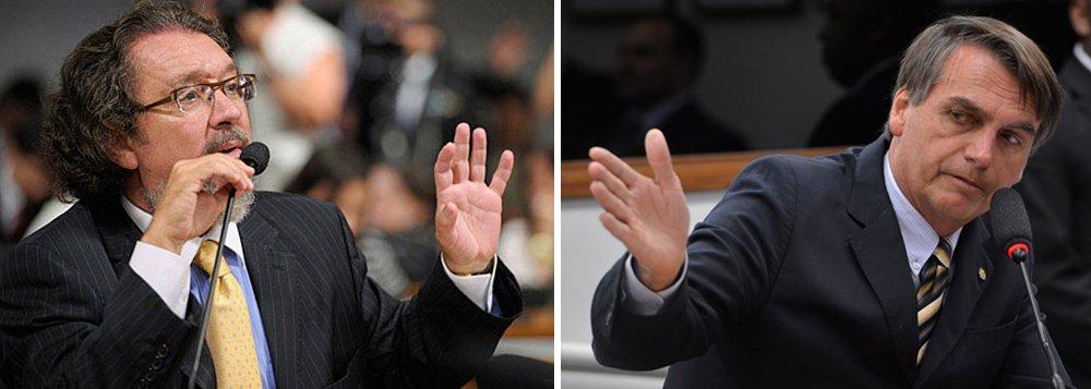 """Atendendo a uma exigência de Jair Bolsonaro, que condicionou a isso seu ingresso na legenda, o Partido Ecológico Nacional (PEN) destituiu o advogado que representava o representava na ação sobre prisão na segunda instância: Antonio Carlos de Almeida Castro, o Kakay; o advogado informado da novidade por meio de uma notificação cartorial; """"É algo inusitado"""", disse ele; """"Parece que vão nomear outro advogado, para falar contra a pretensão da ação no Supremo Tribunal Federal. Acha difícil que algum colega aceite fazer esse papel. Seria um escândalo"""""""