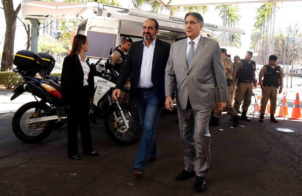 Governador Fernando pimentel entrega bases móveis, programa mais segurança. 28-08-2017- Palácio da Liberdade