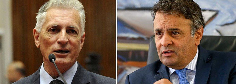 """O deputado estadual Rogério Correia (PT) divulgou no Facebook um vídeo em que o senador Aécio Neves (PSDB-MG) e o dono da JSB, Joesley Batista, conversam por telefone sobre o pagamento de propina; o empresário confirma que esteve com Andrea Neves, irmã do parlamentar, para conversar sobre o assunto; """"Ela me falou de fazer (R$) dois milhões, para tratar de advogado"""", diz Joesley; """"Como é que a gente combina?"""", pergunta Aécio; """"Tem que ver. Você vai lá em casa ou..."""", diz o empresário"""