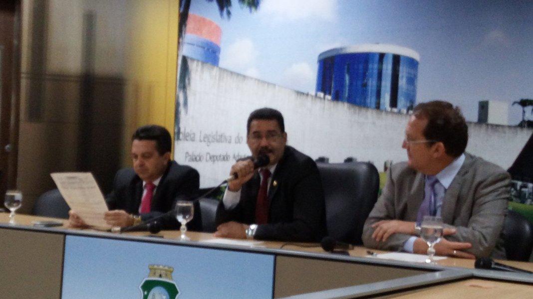 Por iniciativa do deputado estadual Moisés Braz (PT), a Comissão de Agropecuária da Assembleia Legislativa realiza, a partir de hoje (21), audiências públicas nas macrorregiões do Estado, com o objetivo de debater a proposta de reforma da Previdência (PEC 287) atualmente em tramitação no Congresso Nacional. Ao todo serão oito audiências. A primeira acontece hoje, em Sobral, reunindo os municípios da região Norte do Ceará