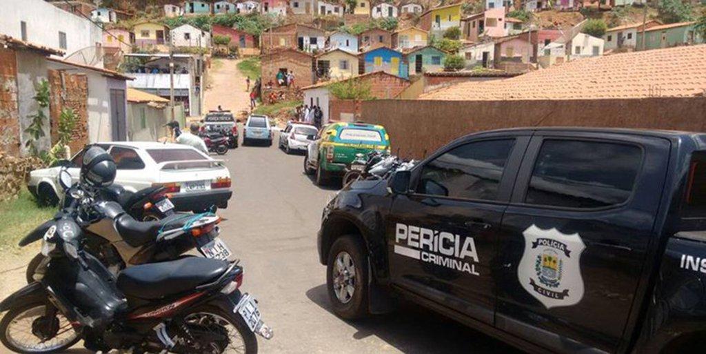O levantamento mensal realizado pela Secretaria de Estado da Segurança Pública apontou queda em todos os índices de criminalidade no mês de outubro no Piauí; a maior queda foi apontada nos crimes violentos letais e intencionais (CVLIs) em Teresina, com o percentual de 28,13%; no interior do Piauí, a redução dos crimes violentos foi de 13,79%; considerando todo o estado, o decréscimo é de 21,31%;os dados são compilados pelo Núcleo de Estatísticas e Análises Criminais (Nuceac), com base nos casos registrados no Sistema de Boletim de Ocorrência (Sisbo)