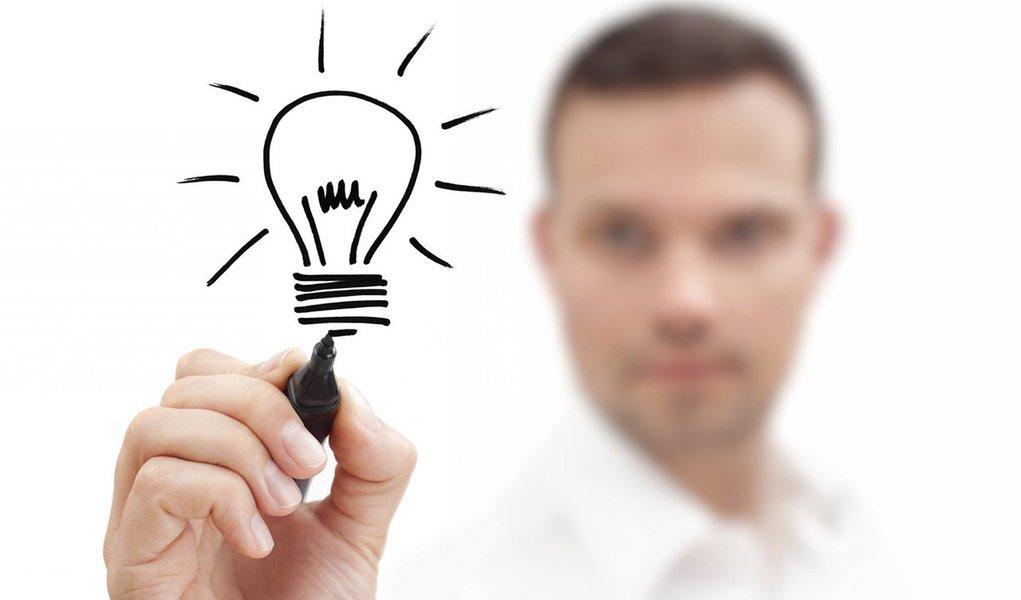"""A Dell está lançando o concurso """"Minha Ideia de Negócio""""; é universitário e possui uma ideia capaz de contribuir para o descarte mais consciente de lixo eletrônico? essa é a sua oportunidade; em grupos de até 3 participantes, é só entrar na plataforma e submeter sua ideia; os funcionários da Dell irão escolher a que mais se identificarem e se cadastrarão como mentores da equipe"""
