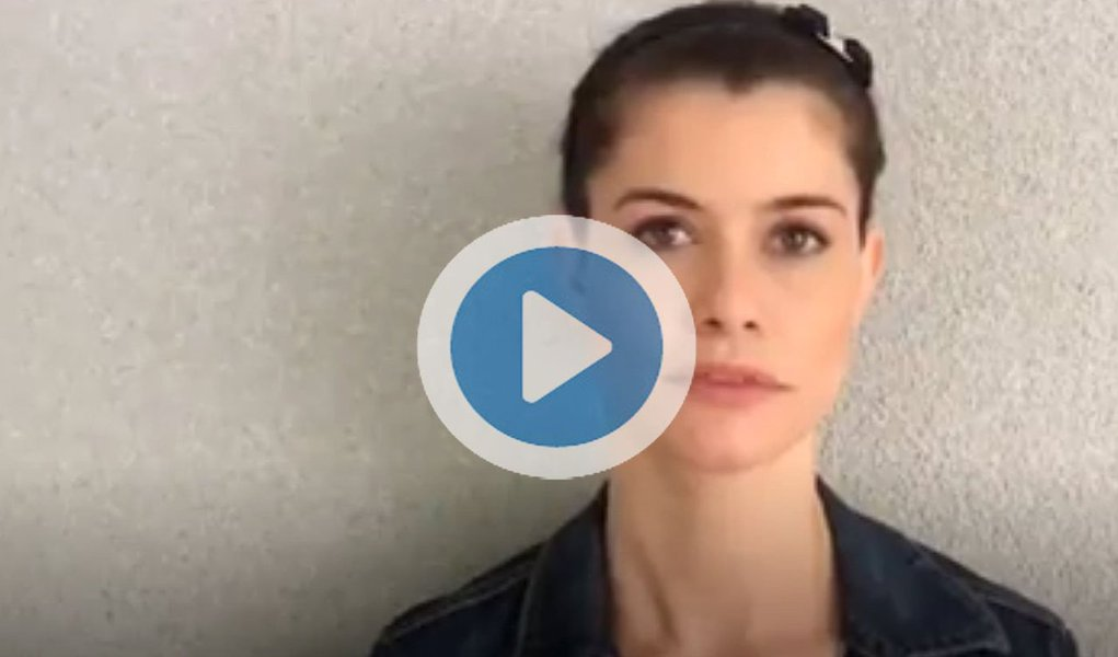 """Em vídeo, a artista diz ser """"inaceitável"""" o """"corte de recursos para a ciência"""", a """"reforma da previdência"""", """"Aécio no Senado"""", """"trabalho escravo"""", o """"preconceito, o racismo, o machismo"""" e a denúncia contra Temer por formação de quadrilha; ela convoca para ato hoje às 18h na Candelária, no Rio, para pressionar deputados a votarem contra Temer; assista"""