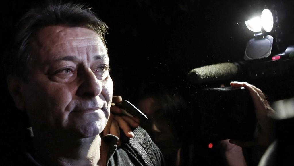 O italiano Cesare Battisti conseguiu habeas corpus junto ao TRF da 3ª Região (TRF-3) e foi solto da delegacia da PF em Corumbá, no Mato Grosso do Sul, na noite desta sexta; ministro da Justiça, Torquato Jardim, disse que a eventual extradição de Battisti para a Itália está sendo analisada pelo governo Temer; a defesa do ativista recorre ao STF contra a extradição