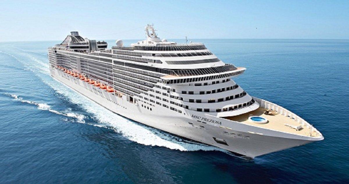 Aportou hoje (18), em Fortaleza, o navio MSC Preziosa, que trouxe mais de 4 mil visitantes (3.412 passageiros e 1.282 tripulantes). O cruzeiro é o último da temporada, que recomeça em outubro.Só este ano, o Ceará recebeu nove cruzeiros, totalizando quase 11 mil visitantes. Até o fim do ano, devem chegar mais dez cruzeiros
