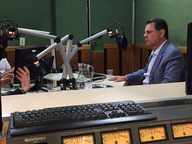 """O governador Marconi Perillo afirmou que em breve o governo de Goiás vai convocar os 2,5 mil aprovados no concurso da Polícia Militar; governo também anunciou a abertura de novo certame para mais 2 mil homens, """"sempre respeitando as condições do orçamento do Estado"""""""