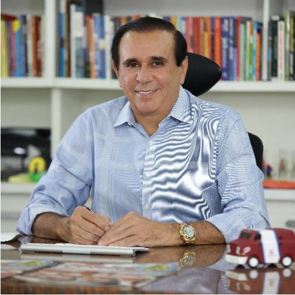"""Em reunião realizada nesta segunda-feira (22), o PMDB do Ceará decidiu se posicionar contra a emenda do deputado Heitor Férrer (PSB) que propõe a extinção do Tribunal de Contras dos Municípios. De acordo com o presidente em exercício do partido, Gaudêncio Lucena, """"só há duas situações no caso para que o deputado que não atender essa orientação sofra punição: votar contra a emenda ou se ausentar no dia da votação"""""""
