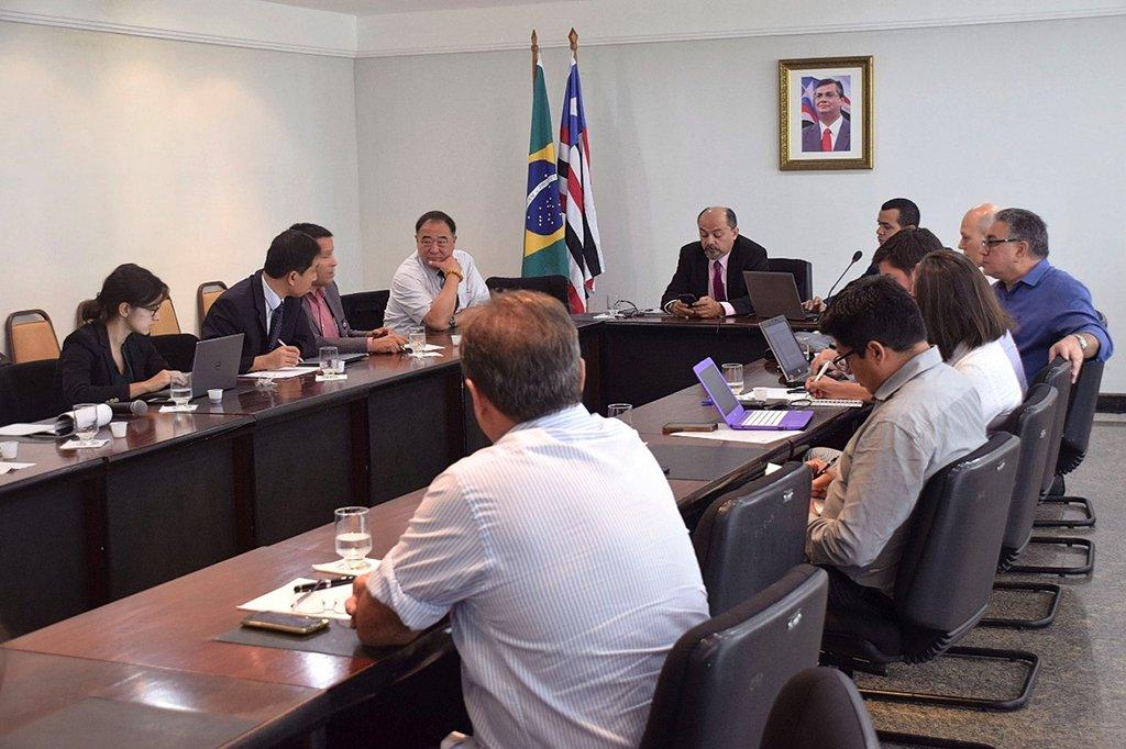 Investidores de bancos internacionais se reuniram com o governo do Maranhão, no Palácio Henrique de La Rocque, para tratar do apoio financeiro na construção do Corredor Norte Sul e alavancar o desenvolvimento econômico do estado; colaboram para a implantação do Projeto Corredor Norte Sul de Integração do Maranhão o Banco de Desenvolvimento da América Latina (CAF) e o Novo Banco de Desenvolvimento (NDB), também conhecido como Banco dos BRICS
