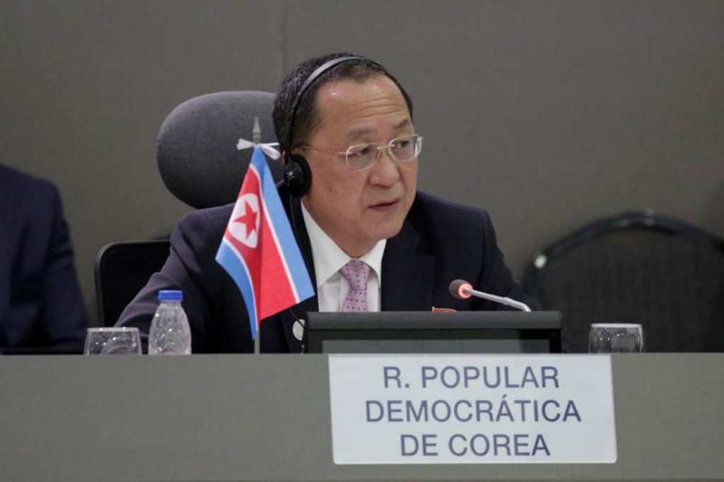 """A Coreia do Norte afirmou na ONU que está entrando na fase """"final"""" do estabelecimento de um sistema nuclear que tem fins de defesa e só será utilizado como """"última opção""""; """"Estamos prestes a completar a nossa capacidade nuclear"""", afirmou na Assembleia Geral da ONU o ministro de Relações Exteriores da Coreia do Norte, Ri Yong Ho"""