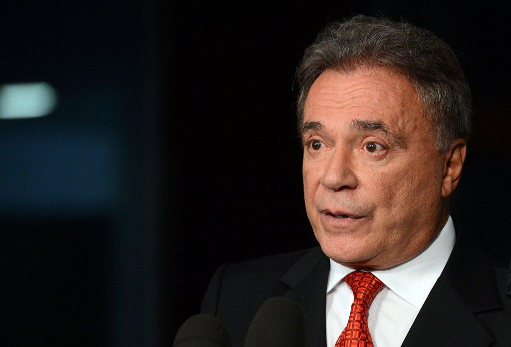 O Senador Alvaro Dias vai entrar com uma Ação Popular na Justiça Federal Contra a nomeação do Ex Presidente Lula.