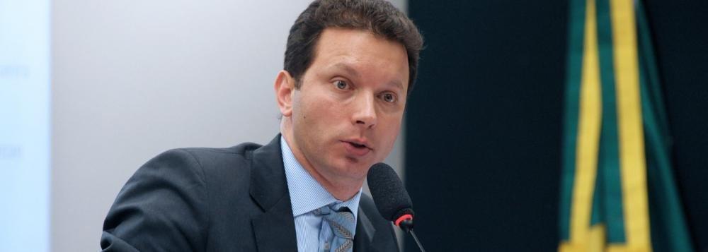 O prefeito de Porto Alegre, Nelson Marchezan Jr. (PSDB) encaminhou à Câmara de Vereadores o projeto que complementa a reforma administrativa proposta pelo Executivo por meio da Lei Complementar 810/2017; entre outras coisas, o projeto prevê a extinção do Departamento de Esgotos Pluviais (DEP) e do Gabinete de Desenvolvimento e Assuntos Especiais (Gades)