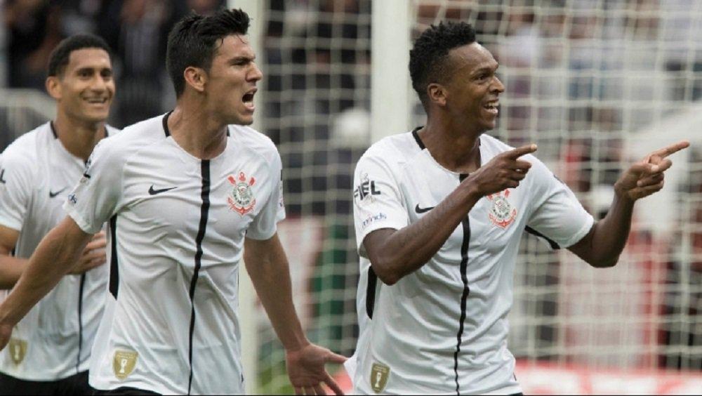Novamente em clássico, Jô marcou o gol do Timão aos 47 do primeiro tempo