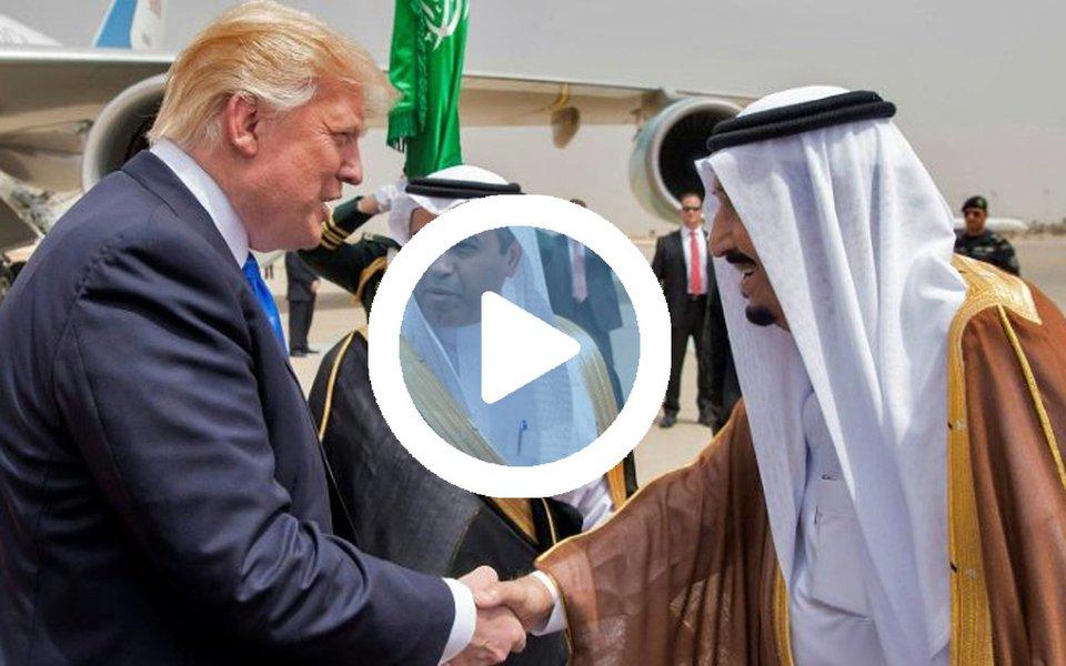 """O presidente dos EUA, Donald Trump, fez um discurso para 55 líderes de países muçulmanos, aos quais pediu que expulsem extremistas das seus territórios e se unam ao governo americano para conquistar um futuro melhor"""" para todos; """"Não estamos aqui para ensinar nem para lhes dizer como viver, o que fazer ou como praticar a sua fé. Em vez disso, oferecemos uma aliança baseada em valores e interesses comuns, com o fim de conseguir um futuro melhor"""", disse Trump em Riad, na Arábia Saudita, onde faz visita oficial"""