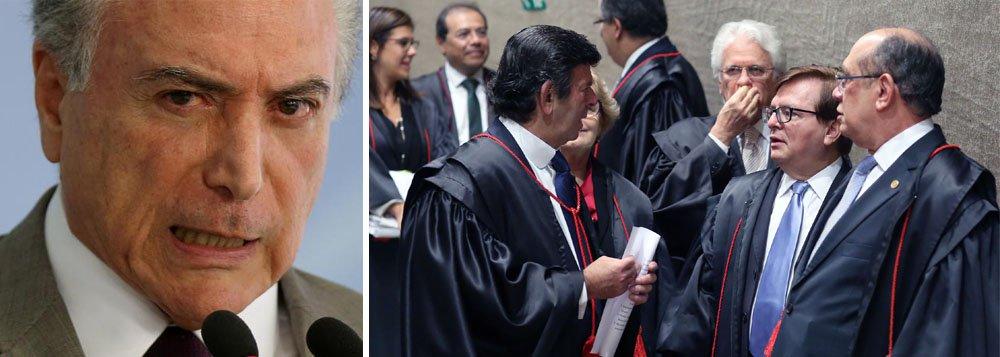 """Colunista do 247 Emir Sader observa que de repente, frente à possibilidade real de que Temer seja destituído, os que reclamavam muito da sua incompetência e do fracasso do seu governo, se unem no esforço hercúleo de tentar manter seu governo; """"Usam o conhecido argumento do 'mal menor', frente ao qual o 'mal maior' são eleições, retorno da democracia e Lula de novo presidente do Brasil"""", afirma; """"Essa combinação explosiva – modelo econômico profundamente antinacional, antidemocrático e antipopular e equipe política corrupta – leva o país ao caos econômico e à acefalia política, além da desmoralização internacional e do cerco que sofre dos movimentos populares. Esses são os males menores, que destroem o país, impõe um regime de exceção"""""""