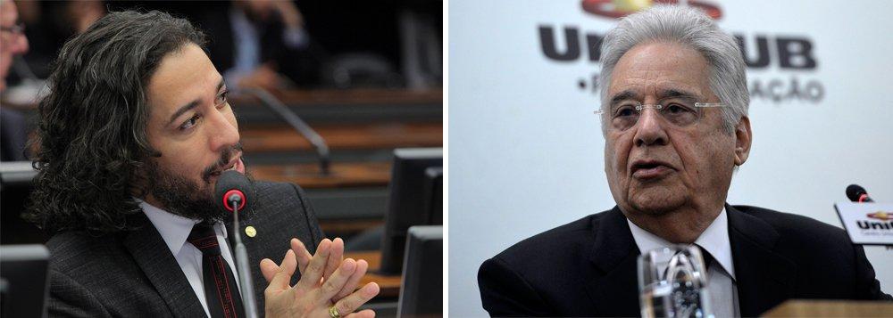 """Deputado federal Jean Wyllys comenta vídeo em que o ex-presidente Fernando Henrique Cardoso se referiu entre ele (Wyllys) e Bolsonaro como consequência da """"divisão do Brasil provocada pelo PT""""; """"A retórica da """"divisão do Brasil"""" — muito repetida desde o segundo turno das eleições de 2014 — aparece na América Latina sempre que um governo, mesmo sem questionar as bases do modelo econômico neoliberal, desenvolve políticas mais ou menos intensas de redistribuição da renda e melhora a qualidade de vida dos mais pobres, ou amplia os direitos de diferentes parcelas da população antes excluídas. Quando um governo faz isso, é acusado de """"dividir"""" seu país. Mas a verdade é que nossos países já estavam divididos há séculos!"""", diz o parlamentar"""